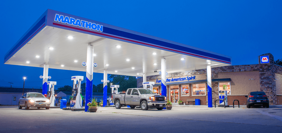 Be Marathon - Image of gas station at night